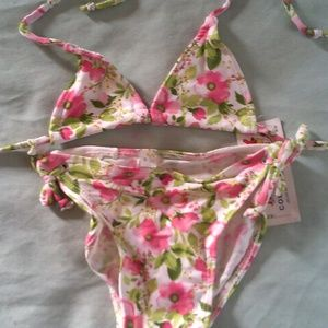 Very cute 2pc swimsuit by Jielide